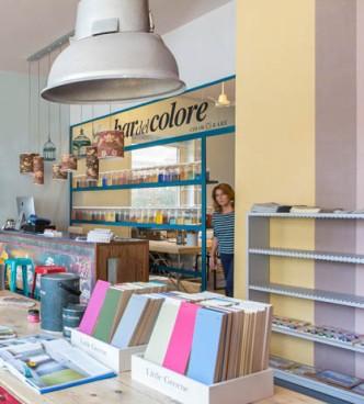 ouverture d'un Bar à couleurs en Italie, à Rome